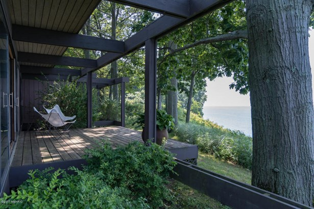 Single Family Residence, Contemporary - South Haven, MI (photo 3)