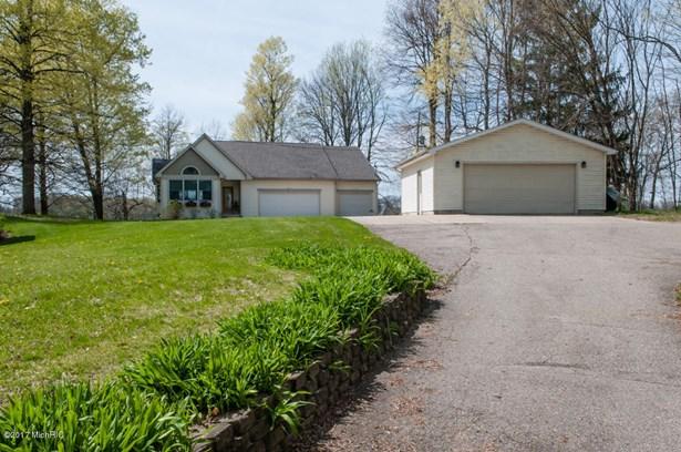 Single Family Residence, Ranch - Hickory Corners, MI (photo 1)
