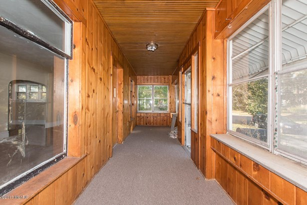 Single Family Residence, Bungalow - Battle Creek, MI (photo 4)
