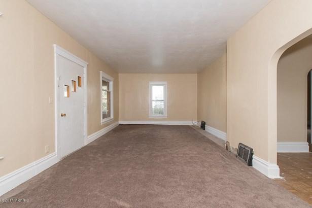Single Family Residence, Bungalow - Battle Creek, MI (photo 5)