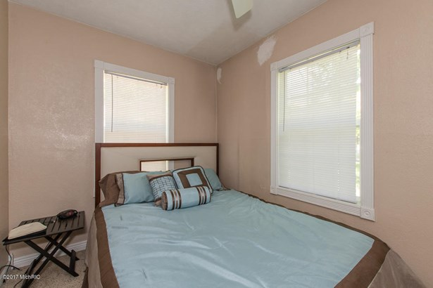 Single Family Residence, Ranch - Richland, MI (photo 4)