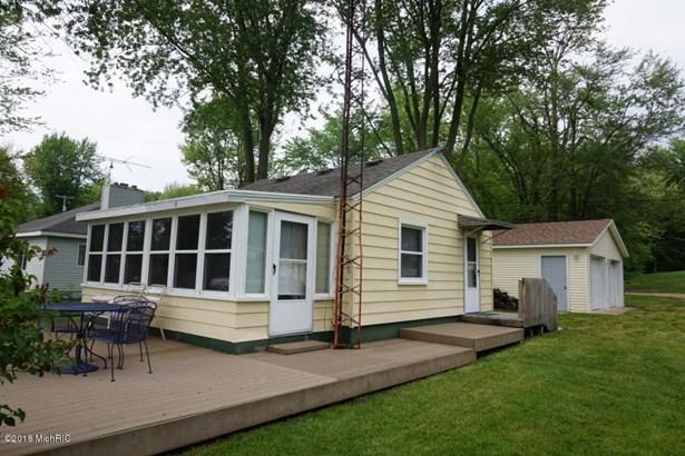 Single Family Residence, Bungalow - Allegan, MI (photo 1)