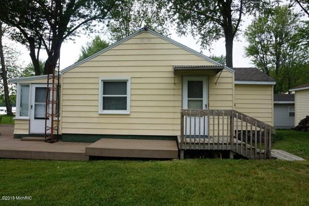 Single Family Residence, Bungalow - Allegan, MI (photo 2)