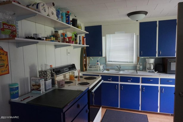 Single Family Residence, Bungalow - Allegan, MI (photo 4)