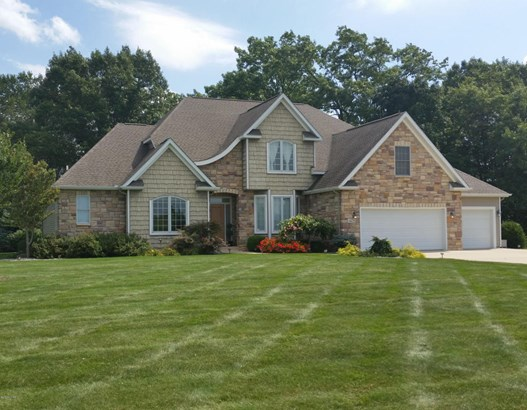 Single Family Residence, Traditional - Vicksburg, MI (photo 1)