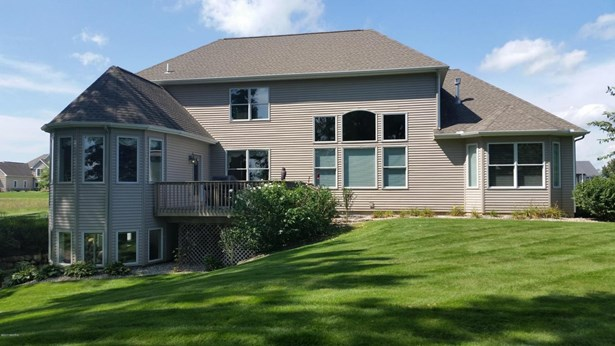 Single Family Residence, Traditional - Vicksburg, MI (photo 2)