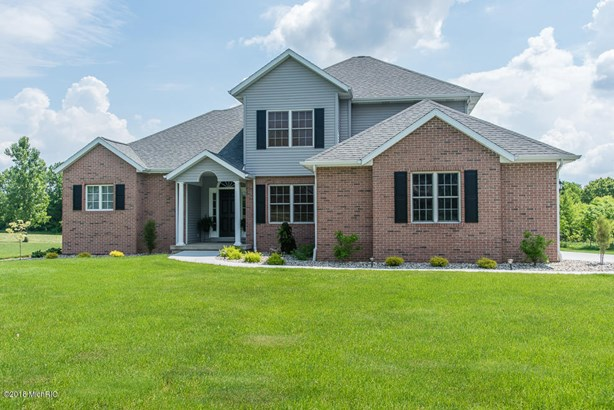 Single Family Residence, Traditional - Galesburg, MI (photo 1)