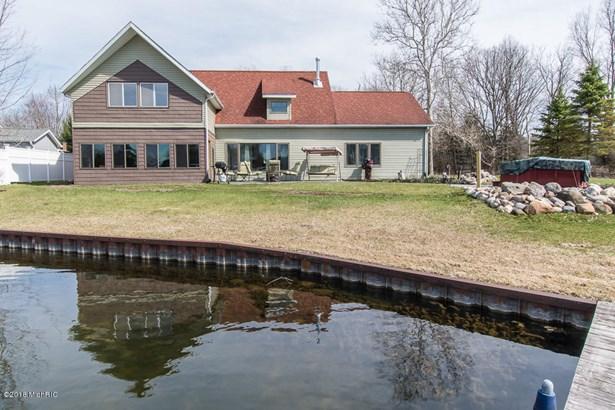 Single Family Residence, Contemporary - Battle Creek, MI (photo 2)