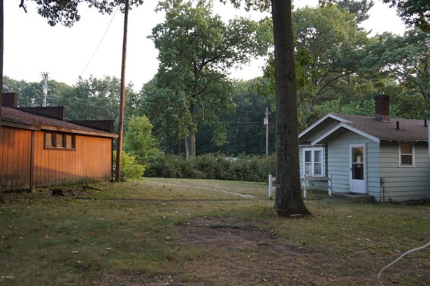 Cabin/Cottage, Single Family Residence - Covert, MI (photo 5)