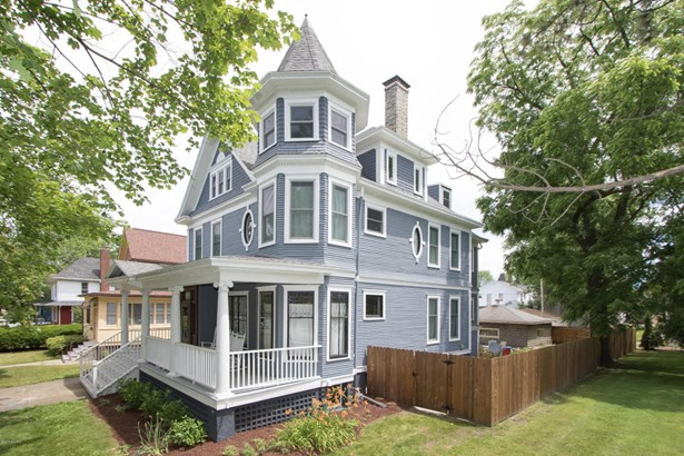 Single Family Residence, Victorian - St. Joseph, MI (photo 1)