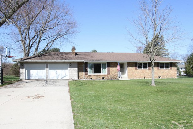 Single Family Residence, Ranch - Mattawan, MI (photo 1)