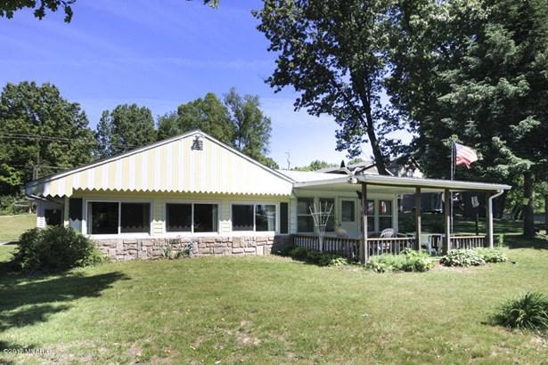 Cabin/Cottage, Single Family Residence - Lawton, MI