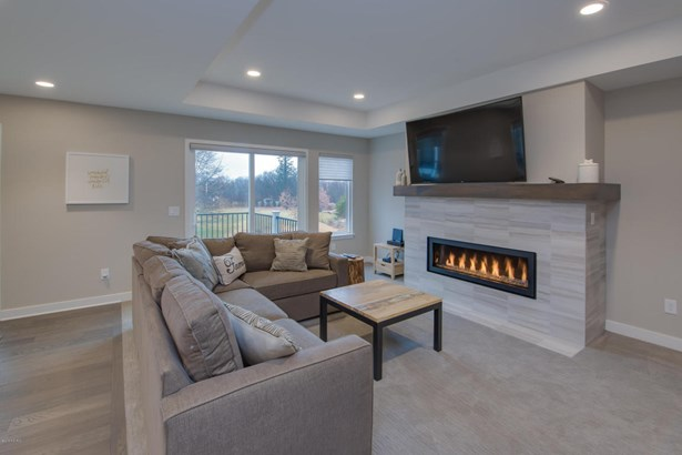 Condominium, Ranch - Portage, MI (photo 5)