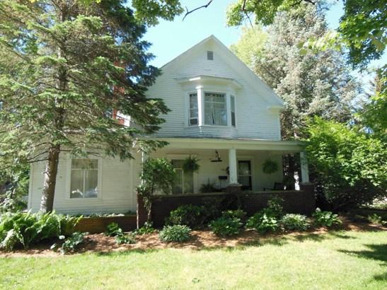 Single Family Residence, Traditional - Hartford, MI (photo 1)