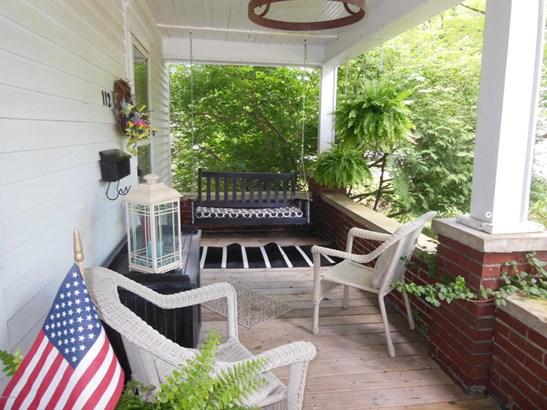 Single Family Residence, Traditional - Hartford, MI (photo 2)