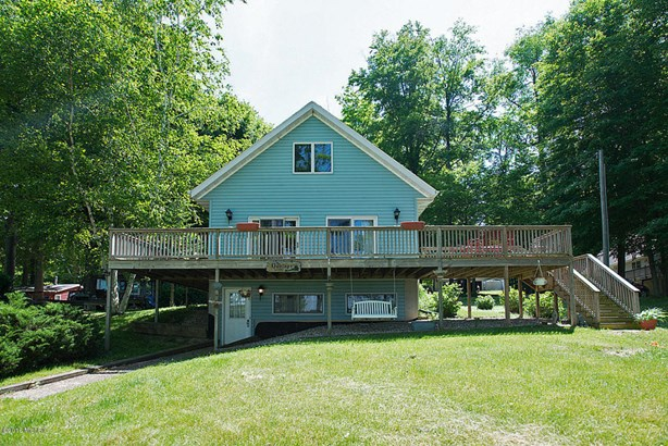 Single Family Residence, Traditional - Allegan, MI (photo 2)