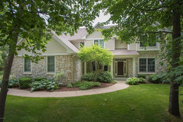 Single Family Residence, Traditional - Richland, MI (photo 1)