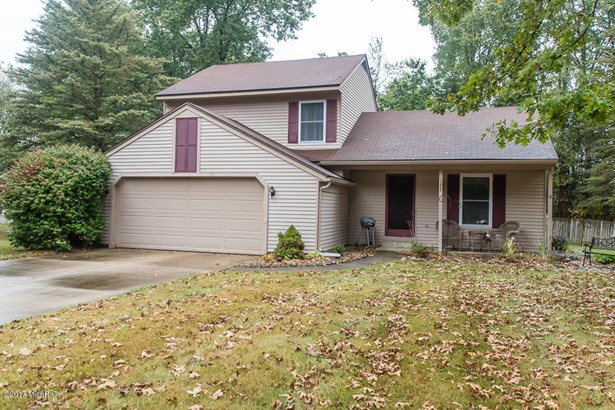 Single Family Residence, Quad Level - Plainwell, MI (photo 1)