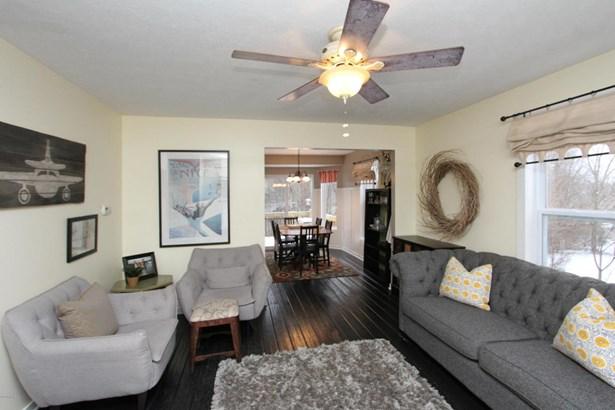 Single Family Residence, Traditional - Plainwell, MI (photo 3)