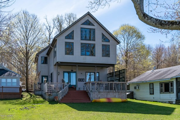 Single Family Residence, Contemporary - Bloomingdale, MI