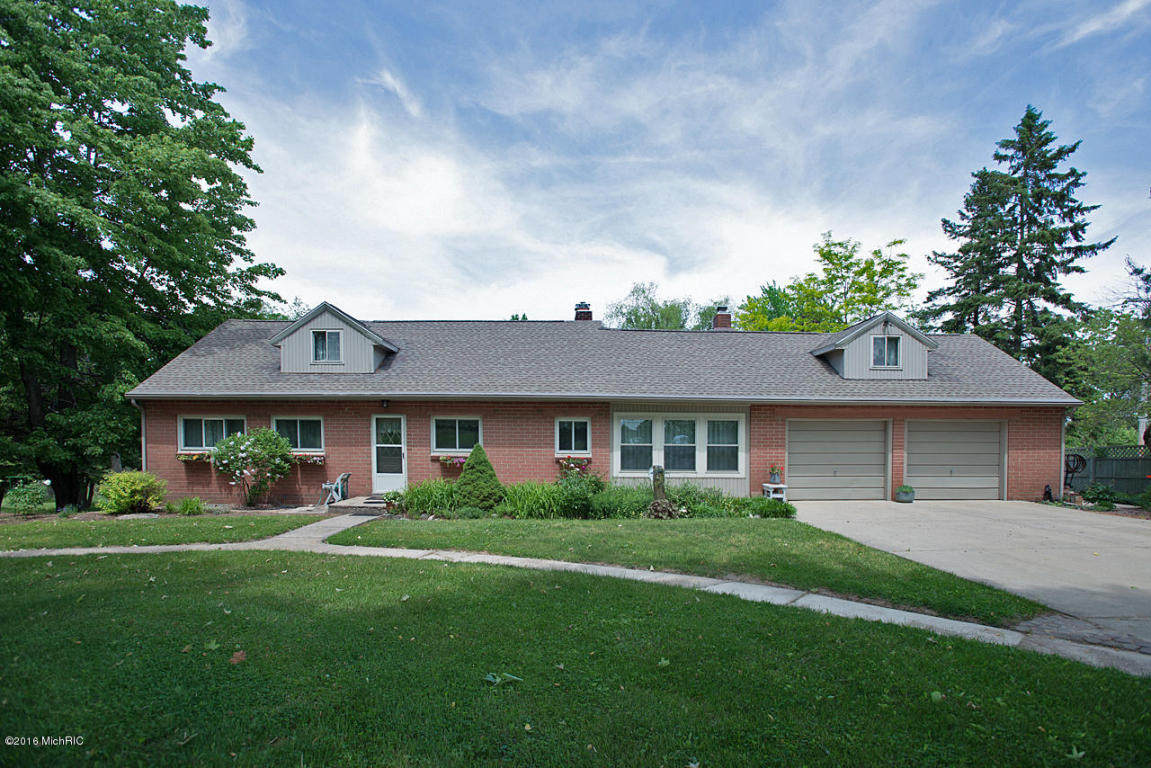 Cape Cod, Single Family Residence - Delton, MI (photo 1)