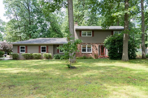 Single Family Residence, Traditional - Paw Paw, MI (photo 1)
