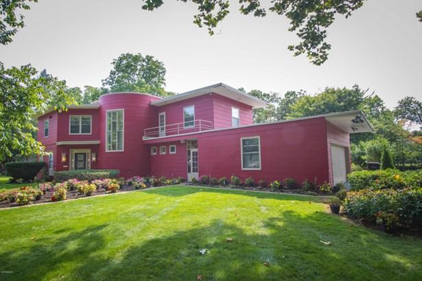 Single Family Residence, Contemporary - Kalamazoo, MI (photo 2)