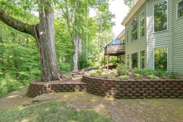 Single Family Residence, Ranch - Benton Harbor, MI (photo 3)