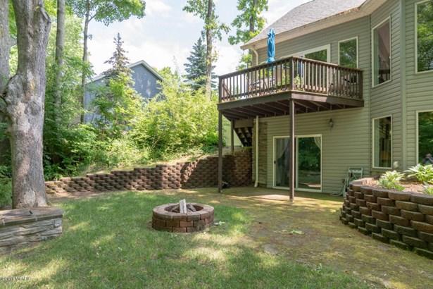 Single Family Residence, Ranch - Benton Harbor, MI (photo 5)