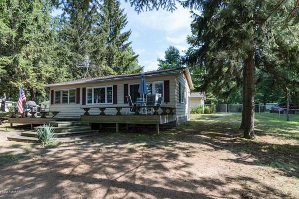 Cabin/Cottage, Single Family Residence - Pullman, MI (photo 1)