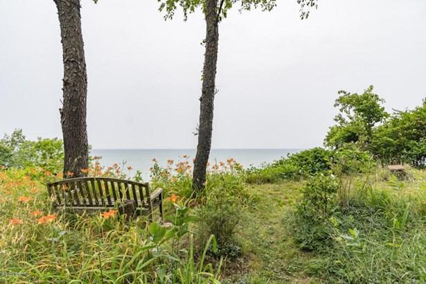 Chalet, Single Family Residence - South Haven, MI (photo 3)