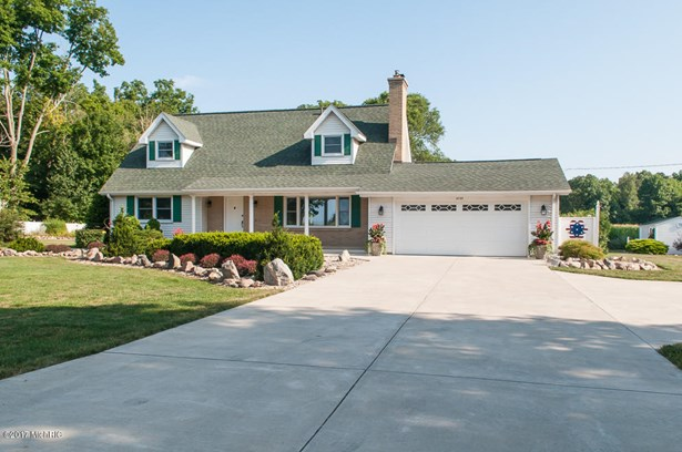 Cape Cod, Single Family Residence - Kalamazoo, MI (photo 3)