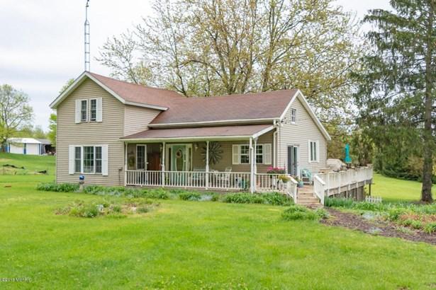 Farm House, Single Family Residence - Lawrence, MI (photo 1)