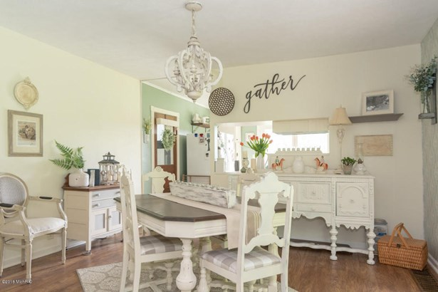 Farm House, Single Family Residence - Lawrence, MI (photo 5)