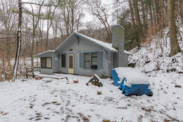 Cabin/Cottage, Single Family Residence - Covert, MI