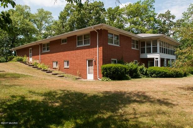 Single Family Residence, Ranch - Battle Creek, MI (photo 3)