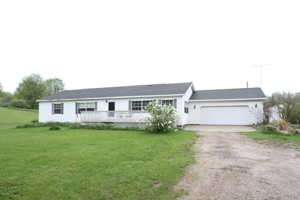 Single Family Residence, Ranch - Otsego, MI (photo 1)