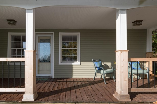 Farm House, Single Family Residence - Bangor, MI (photo 3)