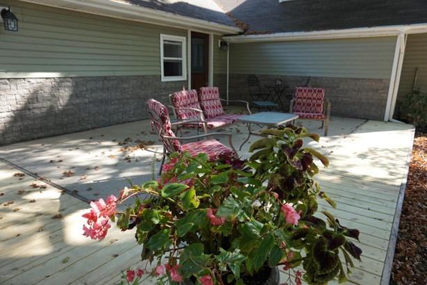 Farm House, Single Family Residence - Bangor, MI (photo 4)