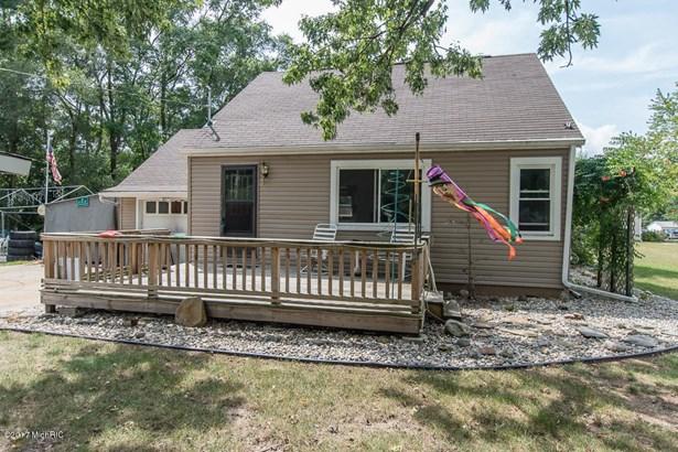 Cape Cod, Single Family Residence - Springfield, MI (photo 1)