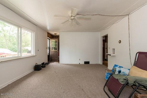 Cape Cod, Single Family Residence - Springfield, MI (photo 3)