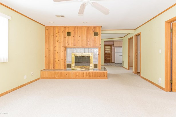 Single Family Residence, Ranch - Coloma, MI (photo 4)