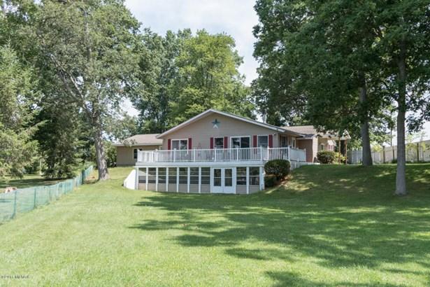 Single Family Residence, Ranch - Three Rivers, MI (photo 1)