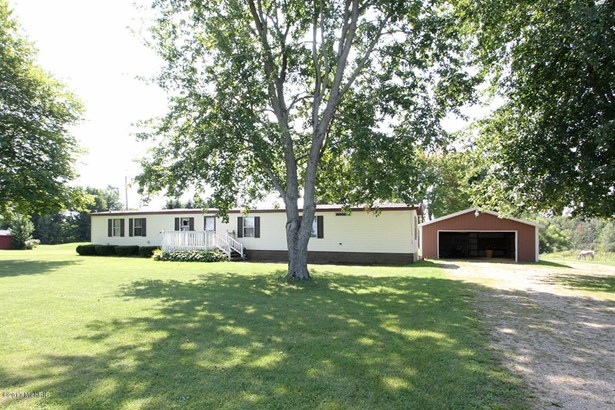 Single Family Residence, Mobile - Bangor, MI (photo 1)