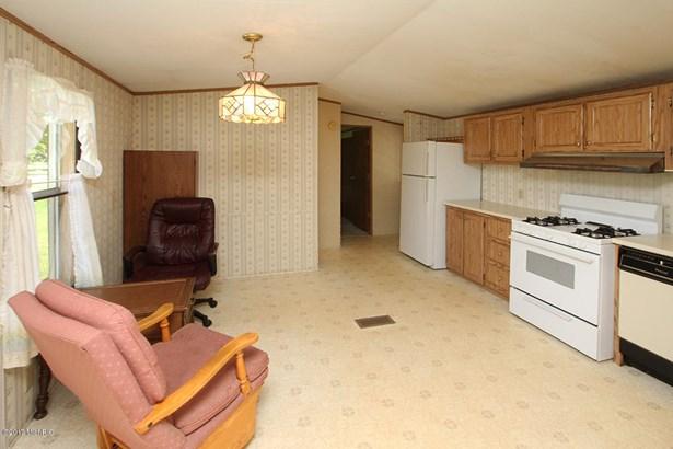 Single Family Residence, Mobile - Bangor, MI (photo 3)