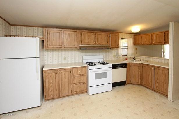 Single Family Residence, Mobile - Bangor, MI (photo 4)