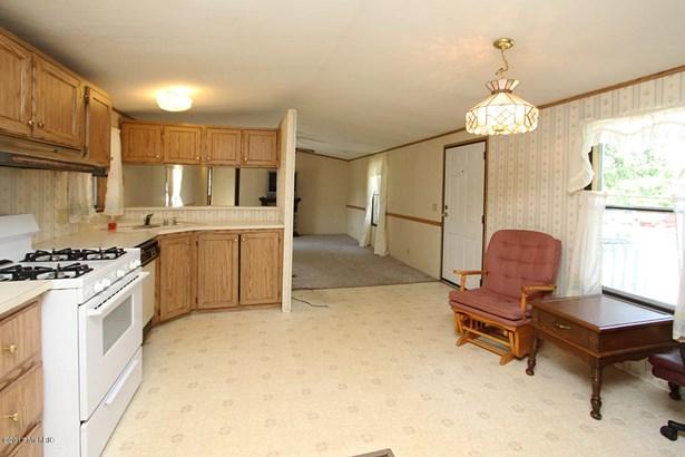 Single Family Residence, Mobile - Bangor, MI (photo 5)