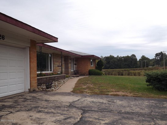 Ranch, Farm - Covert, MI (photo 2)