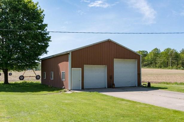 Single Family Residence, Ranch - Gobles, MI (photo 2)