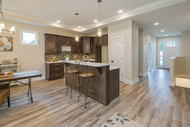 Condominium, Ranch - Portage, MI (photo 2)